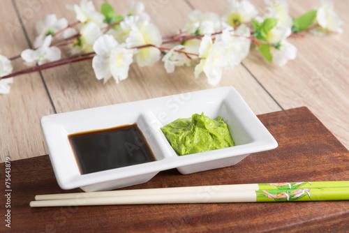 Keuken foto achterwand Kruiderij soy sauce, wasabi and chopsticks