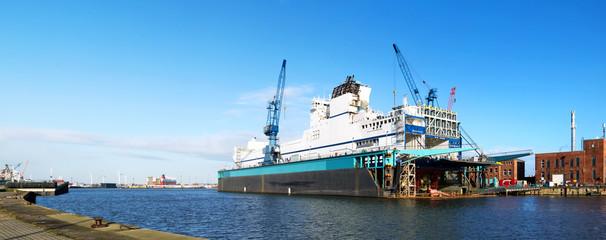 Blick auf die Werft