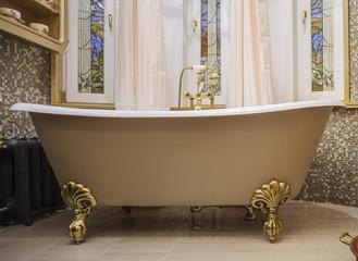 bathroom with old-fashioned bathtub