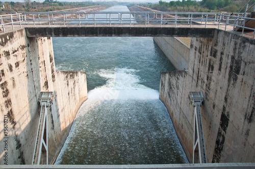 Foto op Canvas Dam The Pa sak chonlasit Dam, Chainat, Thailand