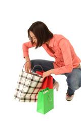 attraktive Frau mit vielen Einkaufstüten