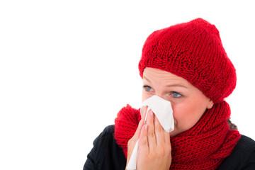 frau hat eine erkältung im winter