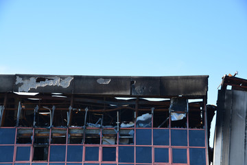 incendio en un edificio industrial