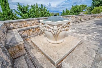 Mausoleum Petrinovic well