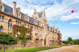 Fototapeta Christ Church Oxford University with red air balloon in the sky