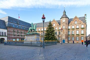 Rathaus mit Reiterdenkmal Jan Wellem,  in Düsseldorf