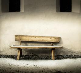 vecchia panchina di legno
