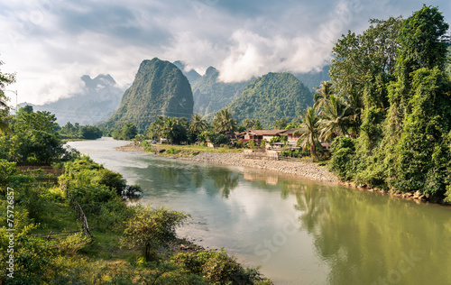 Spoed canvasdoek 2cm dik Rivier Landscape of Nam Song River at Vang Vieng, Laos