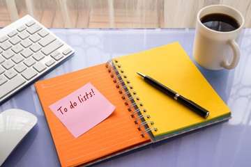 To do lists word on reminder notepad