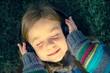Girl Listen Music - 75730694