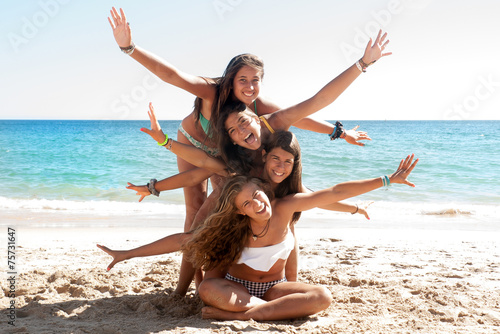 Friends in Summer time - 75731647
