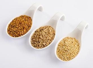 Semi di sesamo, lino e quinoa