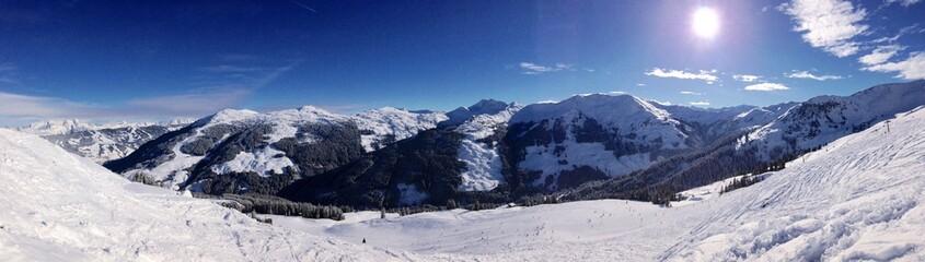 skiregion panorama in den Alpen