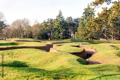 Papiers peints Fortification The trenches and craters on battlefield of Vimy ridge