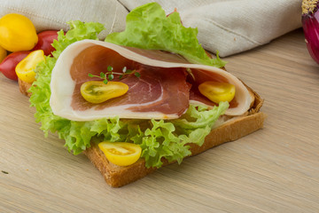 Sandwich with hamon