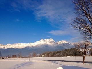 winterlandschaft im pinzgau in den Alpen