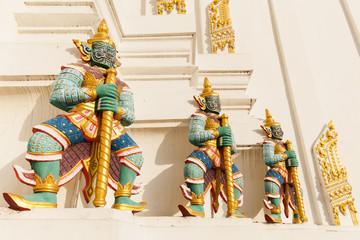 Dämonen Wächter am Tempel Wat Phichaiyat in Bangkok
