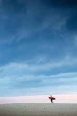 surfeur ciel bleu