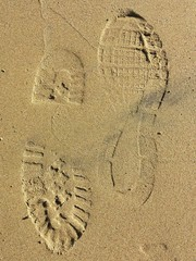 Scarpe da ginnastica sulla sabbia