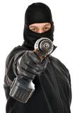 Einbrecher mit Bohrmaschine knackt Schloss