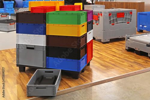 Color crates - 75804077