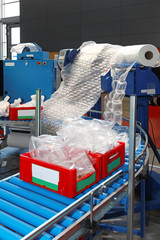 Packaging cushioning system
