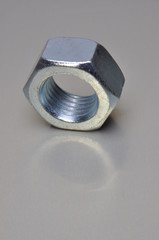 Single nut with light reflection