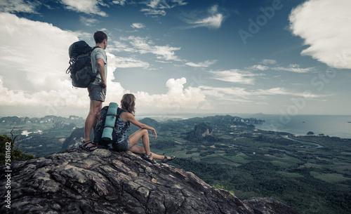 Hikers - 75811612