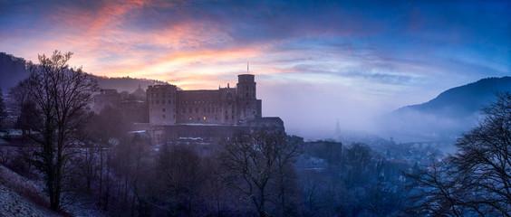 Heidelberger Schloss im Nebel