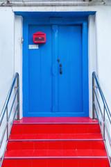 blaue Tür in Bangkok