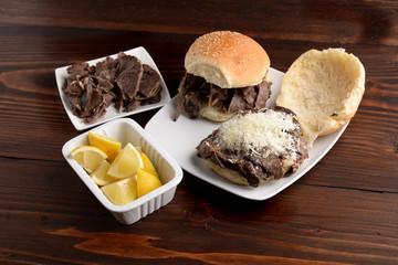 PANINO CON LA MILZA - Sandwich with spleen