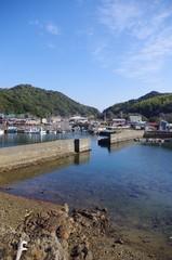漁村と堤防