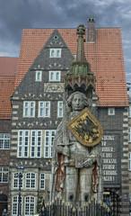 roland bremen statue