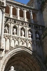 Catedral de Toledo - Fachada con Estatuas