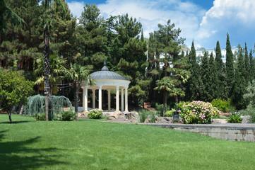 Парк Айвазовского «Парадиз» в Партените. Украина, Крым