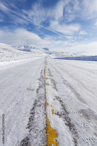 Winter Road - 75860405