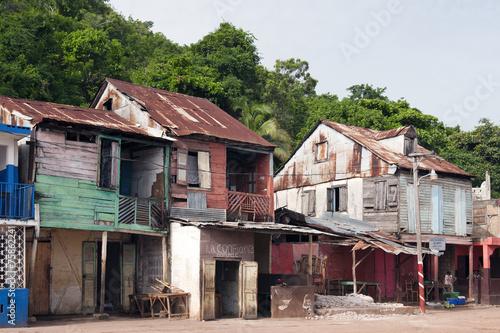 Tuinposter Centraal-Amerika Landen Traditionelle Häuser, Fischerdorf Pestel, Haiti
