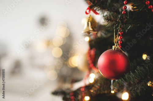 Decorated Christmas tree with toy and copy space - 75881815
