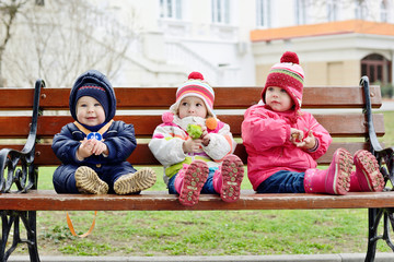 сhildren on the bench
