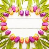 Fototapety Herz aus Tulpen