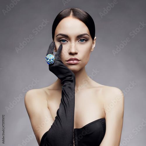 Elegant lady - 75891692