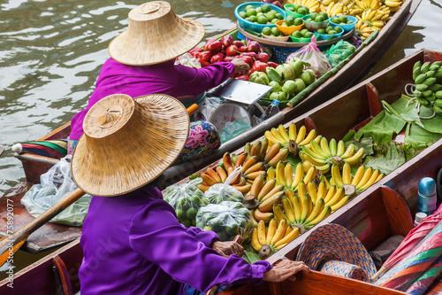 Deurstickers Overige auf dem schwimmenden Markt Damnoen Saduak in Thailand