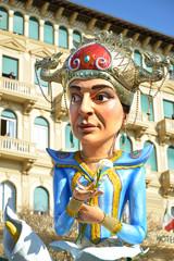 carro mascherato a Viareggio