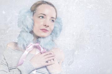Frau im Winter frost kälte
