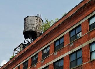 Wassertank auf dem Dach