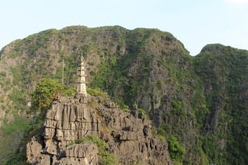 Templo pagado en Hang Mua. Hoa Lu. Vietnam