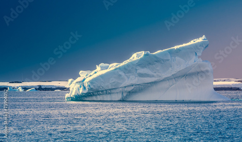 Tuinposter Gletsjers Antarctic iceberg