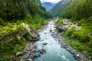 river from everest trek