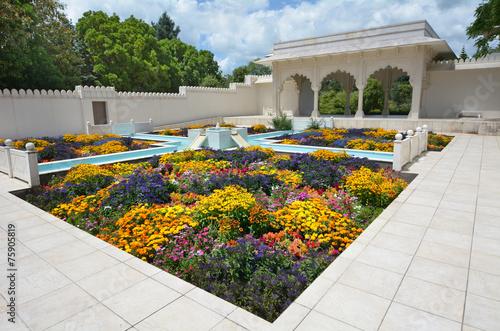 Fotobehang Nieuw Zeeland Indian Char Bagh Garden in Hamilton Gardens - New Zealand