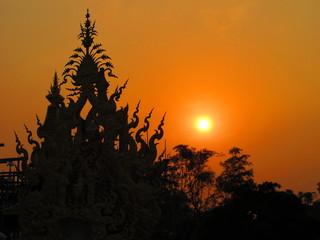 Sonnenuntergang - Wat Rong Khun